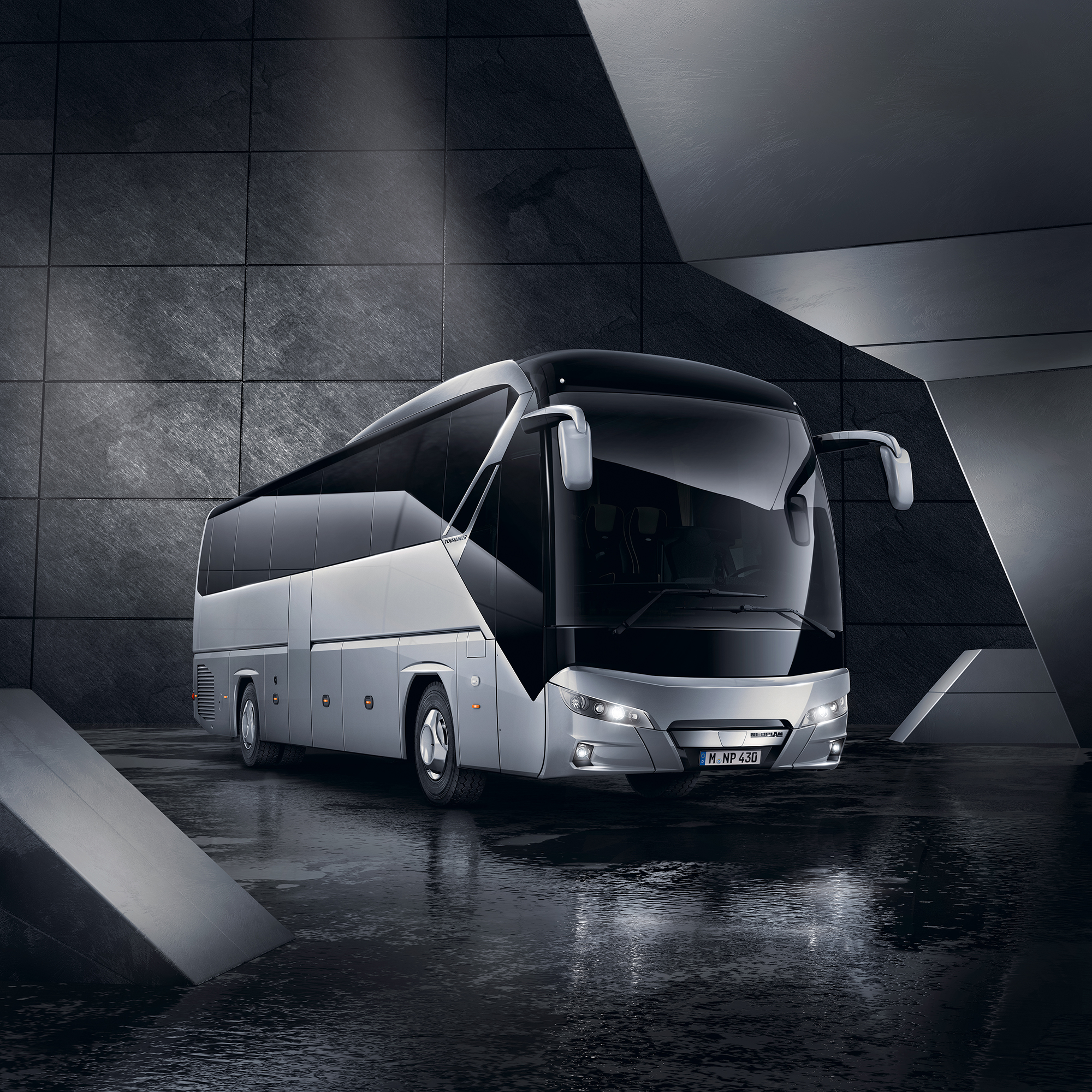 man_tourliner_-001.jpg