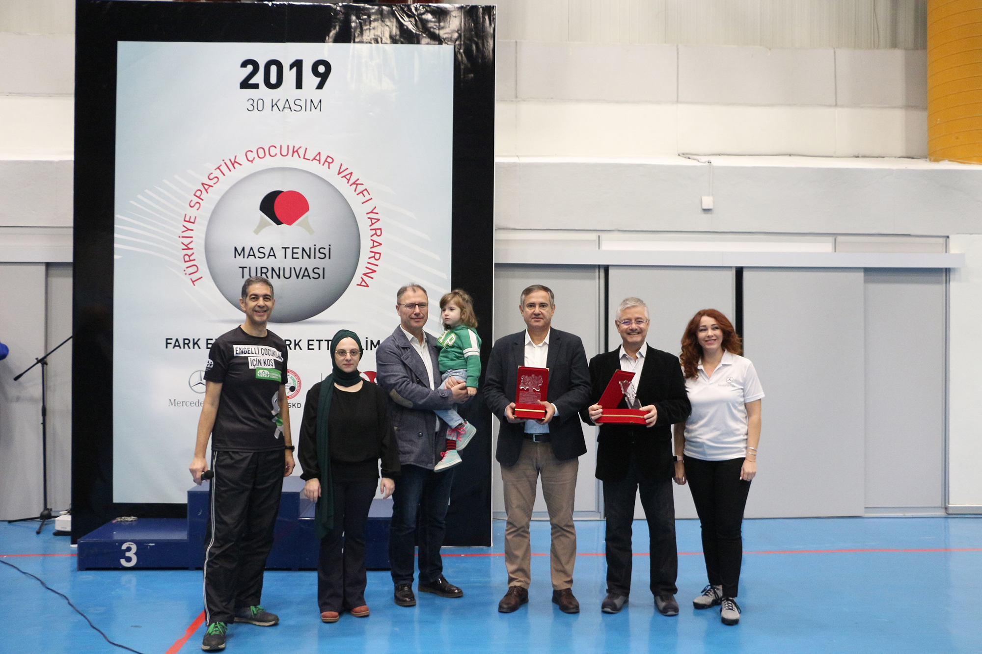 mercedes-benz-turk-10.masa-tenisi-turnuvasi.jpg
