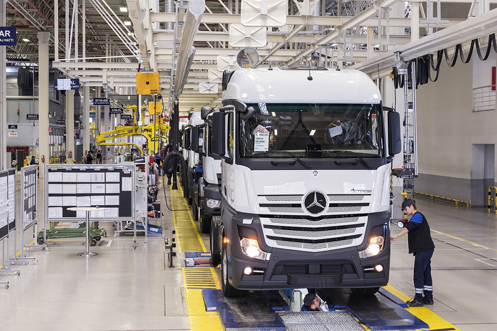 mercedes-benz-turk-trucks.jpg