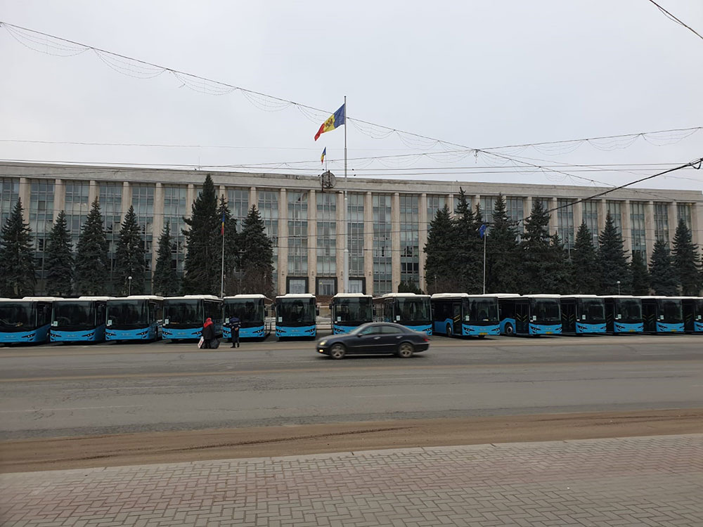 moldova-teslimat-anadolu-isuzu-001.jpg