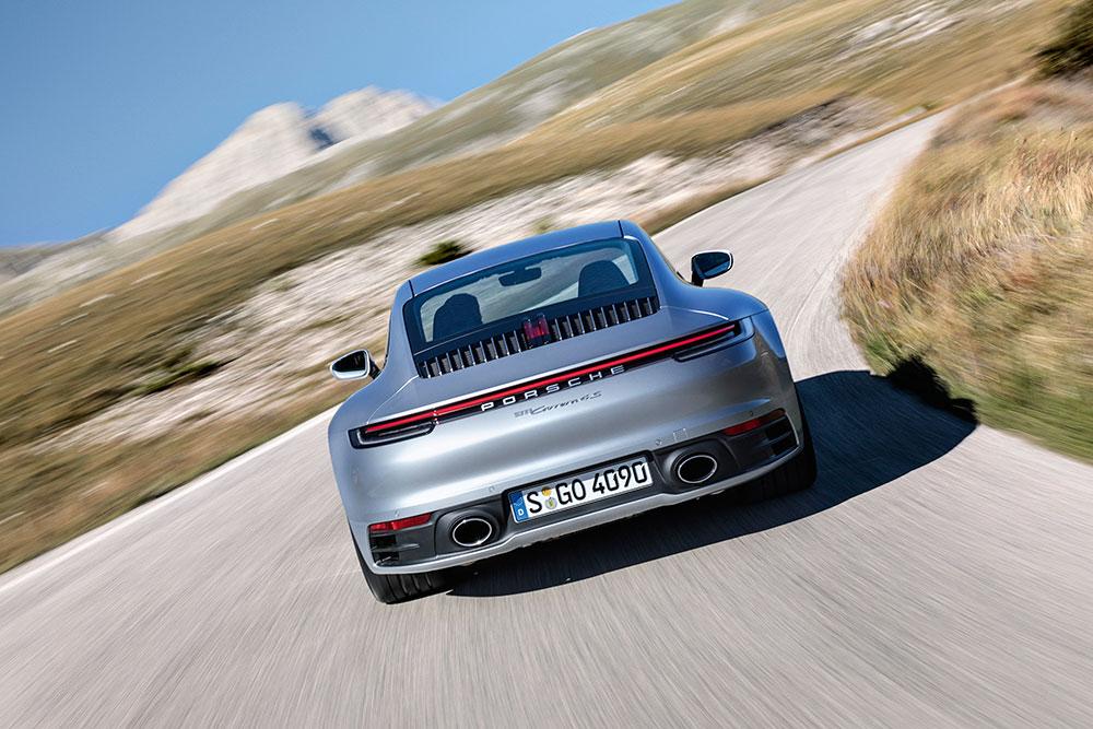 porsche-911-turbo-yeni.jpg