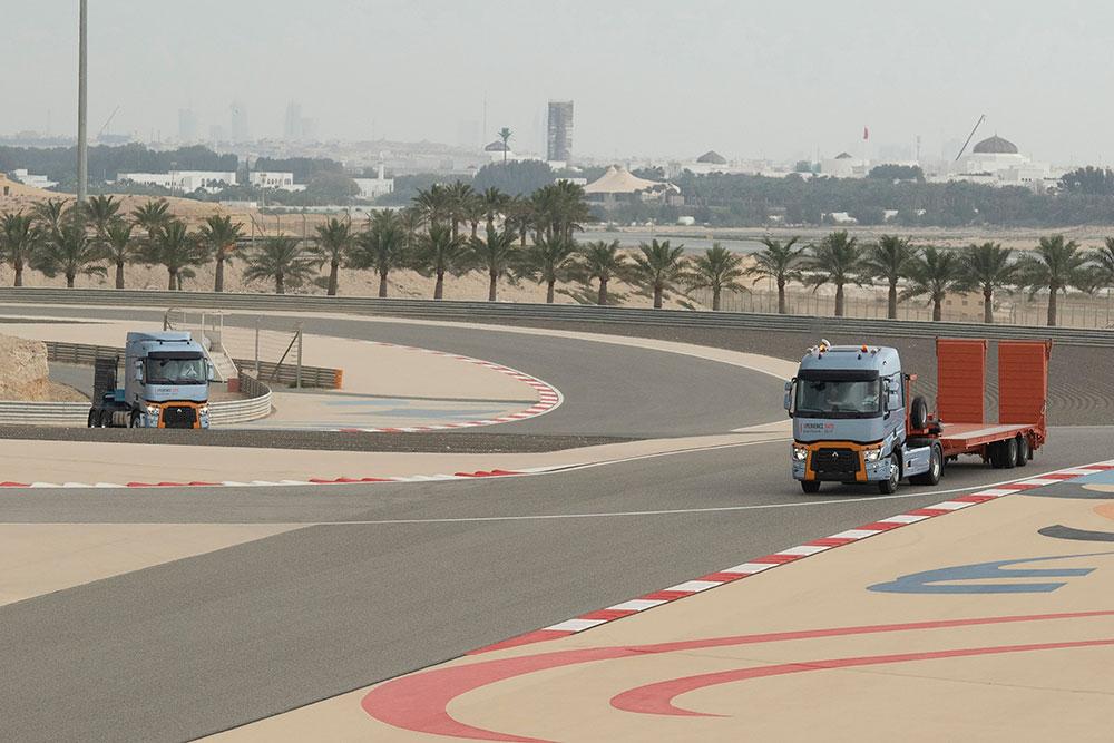 renault-trucks-bahreyn-f-1-pisti.jpg
