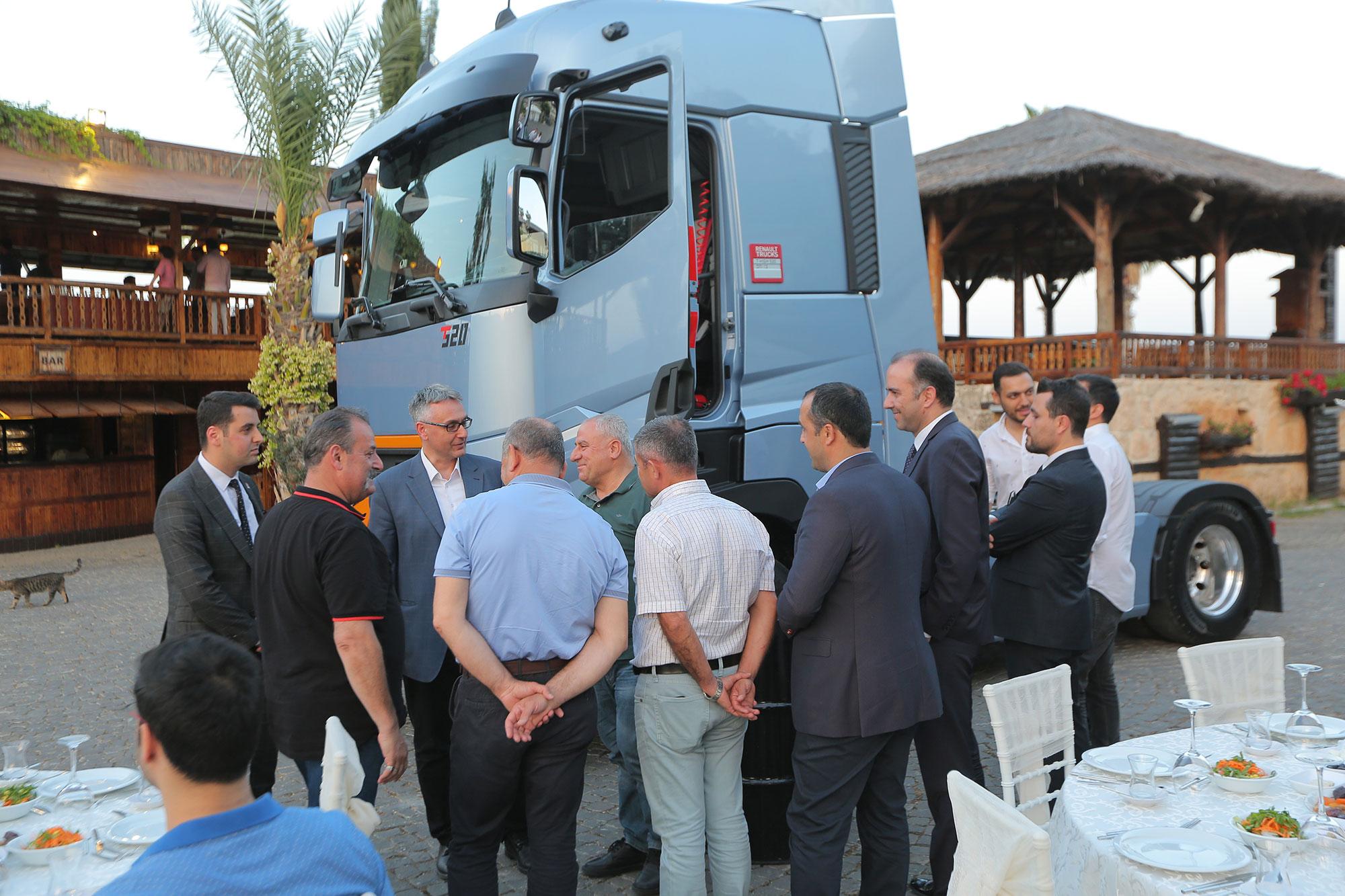 renault-trucks-mersin-bulusma.jpg