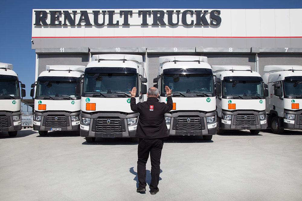 renault-trucks-sevnak-uluslararasi-teslimat-toreni.jpg