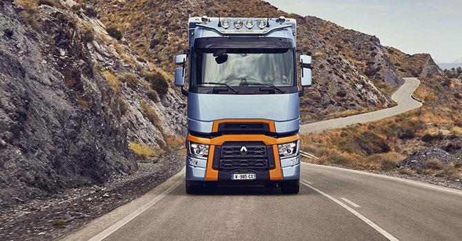 renault-trucks-yarisi-001.jpg