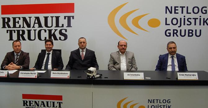 renault-trucks_netlog-lojistik-gurubu_teslimat-gorseli-(1).jpg