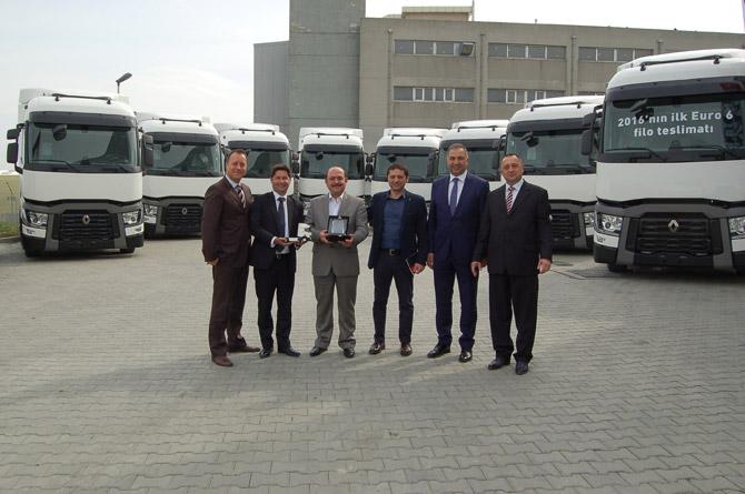 renault-trucks_netlog-lojistik-gurubu_teslimat-gorseli-(2).jpg