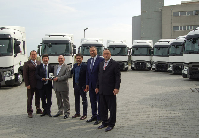 renault-trucks_netlog-lojistik-gurubu_teslimat-gorseli-(3).jpg