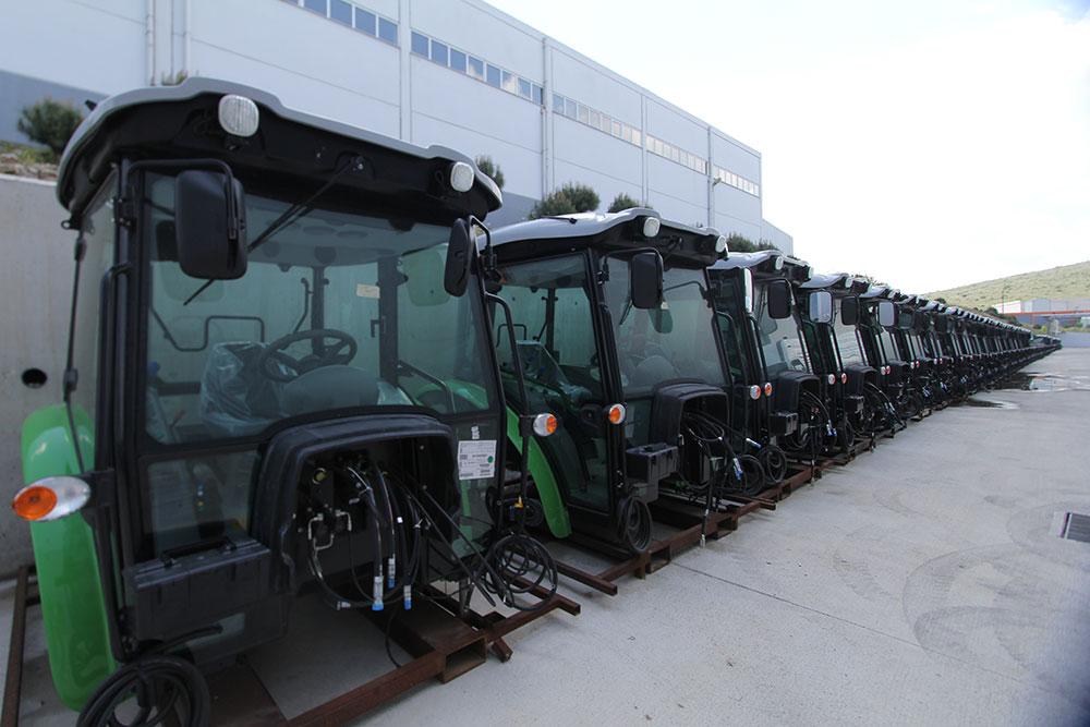 sdf-traktorleri-fabrika,.jpg