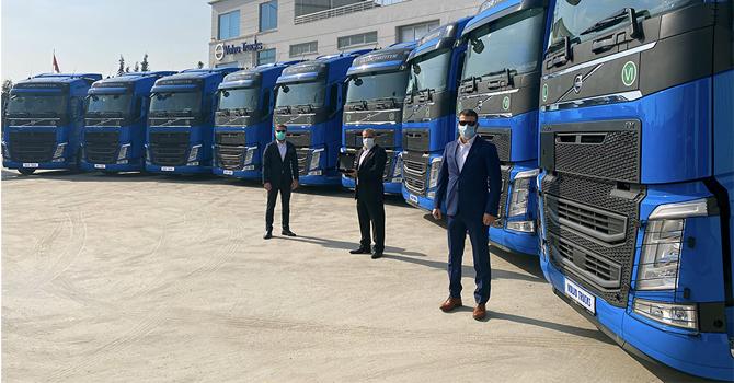 volvo--trucks-001.jpg