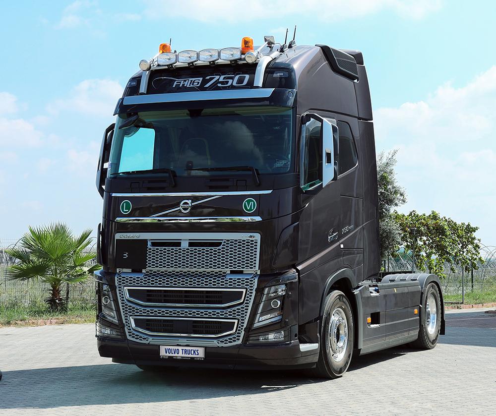 volvo-trucks-004.jpg