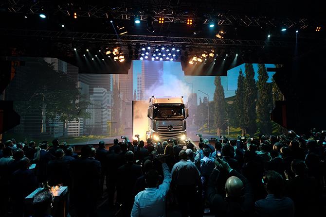 yeni-kamyonlarin-lansmani-(1).jpg