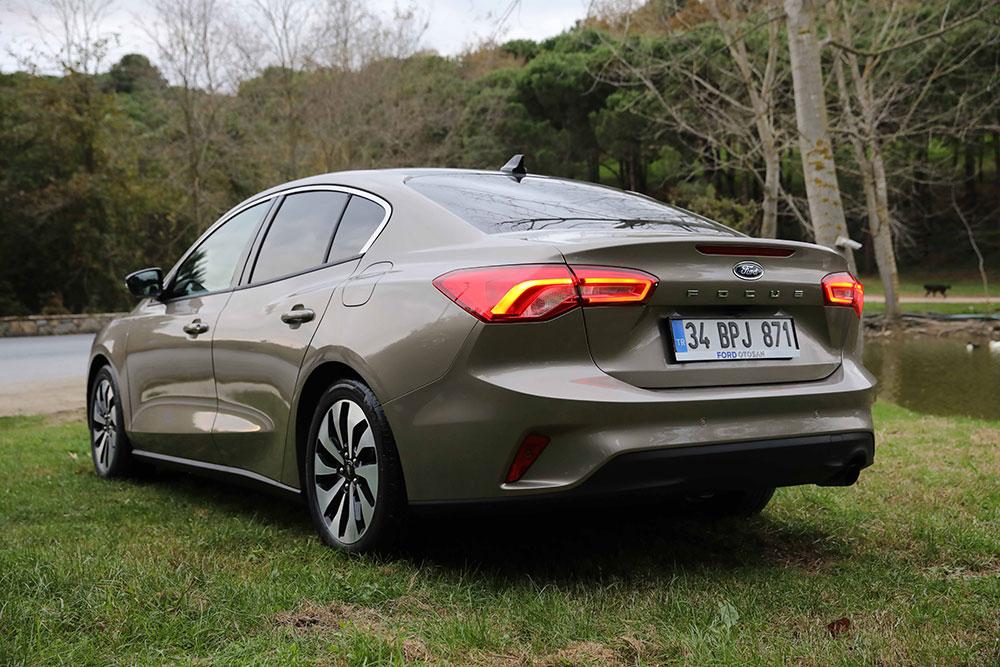 yeni-kasa-ford-focus-sedan-001.jpg